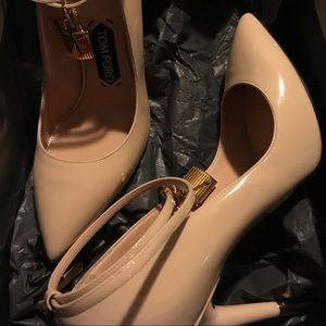 Tom Ford nude lock pumps (never worn)